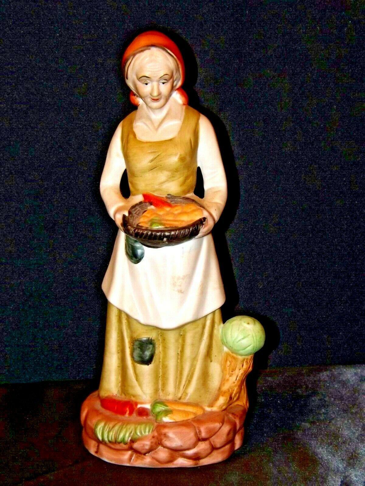 UCGC Old Woman Figurine Vintage AA19-1462