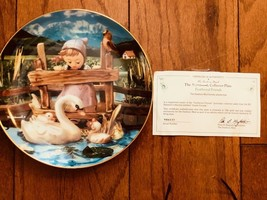 Feathered Friends MJ Hummel Plate Collection Gentle Friends Plate # VH6532 - $17.02