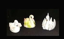 Swan Figurines AB 738  Vintage image 1