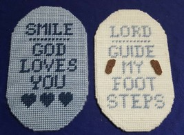 "Pair of 6"" x 10"" Needlepoint Yarn Religious Wall Hangings Decor - $10.76"
