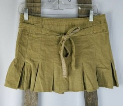 American Eagle Outfitters women 2 brown corduroy pleated mini skirt - $14.80