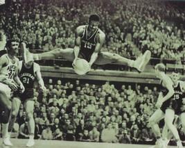 Oscar Robertson 8X10 Photo Cincinnati Bearcats Basketball Ncaa Rebounding - $3.95