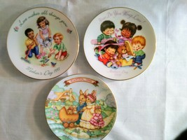Vintage Lot of 3 Collectible AVON Mothers Day Small Plates 1991,1992,Easter 1991 - $14.65