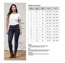 Levi's Women's White Classic Mid Rise Skinny Fit Denim Jeans Pants Size 28W 28L  image 2