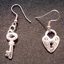 Heart Lock & Key EARRINGS-Silver Best Friends Love Charm Jewelry - $6.97