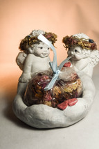 Dreamsicles: Cherub Bowl - Hearts - DC160 - Two Cherubs With Potpourri - $28.70