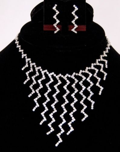 BV Zigzag Clear Rhinestone Necklace and Earring Set Silver Color