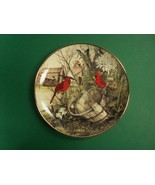 Franklin Mint Recommendations The Old Wooden Bucket Decorative Plate, Cardinals - $8.99