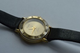 Vintage ''TIME'' women's quartz watch, Leather band,  Runs,  NEW BATTERY image 2