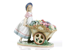 Lladro 6521  LOVE'S TENDER TOKENS  Children 1006521 New in original box - $1,373.31