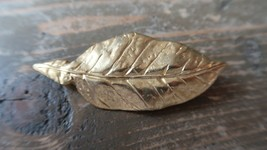 Vintage 6.6cm Gold Tone Leaf Brooch Signed W - $9.89