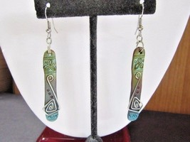PIERCED EARRINGS LONG THIN RECTANGLE WIRE ACCENT GREEN BLUE DISTRESSED BOHO - $18.00