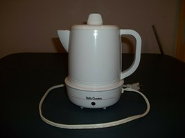 Very Good Used Betty Crocker 4 Cup Coffee Percolator Model BC-170 Comple... - $14.84