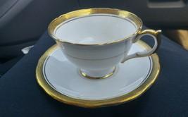 Aynsley Bone China Elizabeth 7947 Teacup And Saucer Set - $19.79