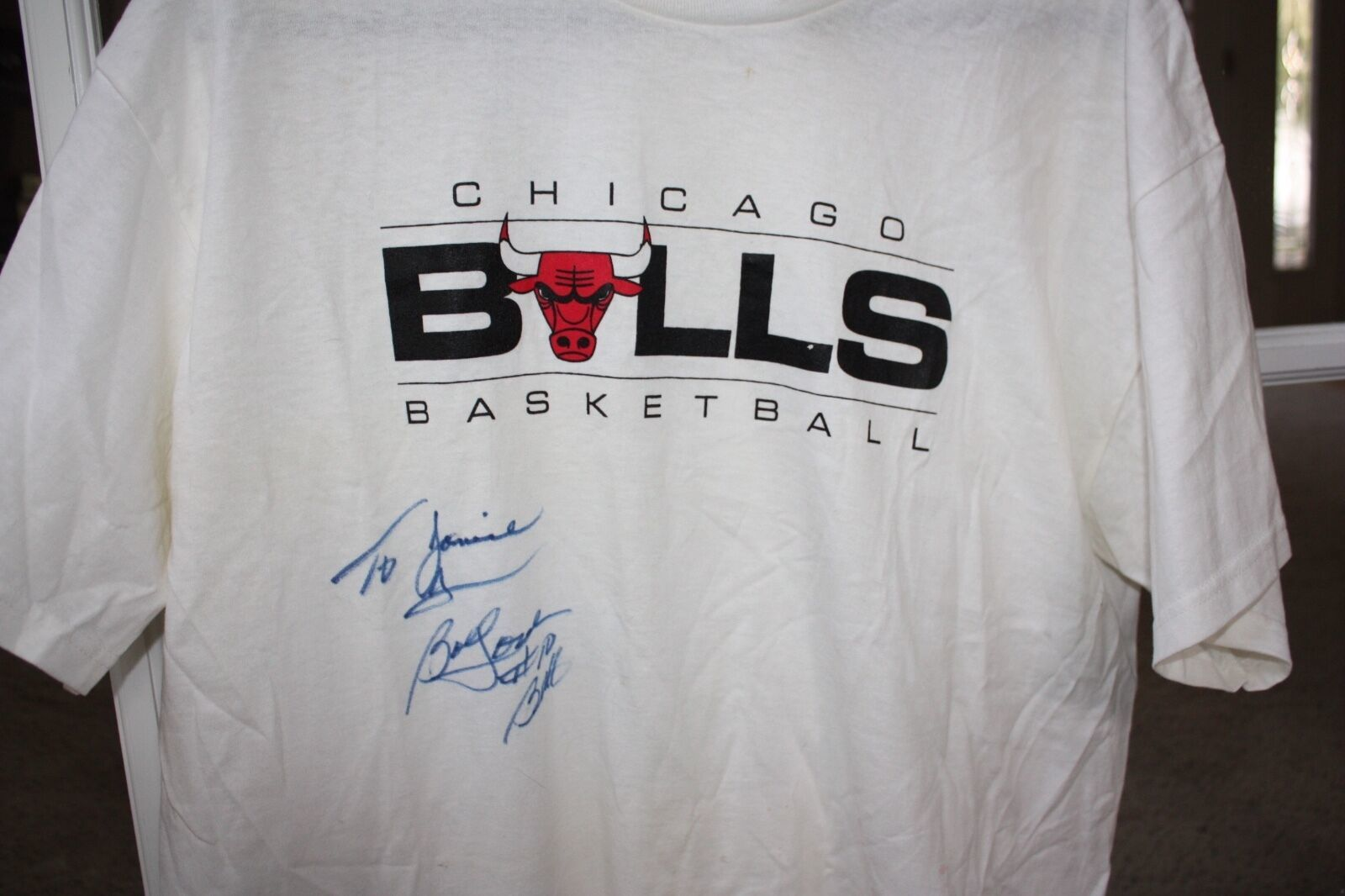 NBA All Star Bob Love Chicago Bulls  Signed Autograph XL Shirt & Brochure