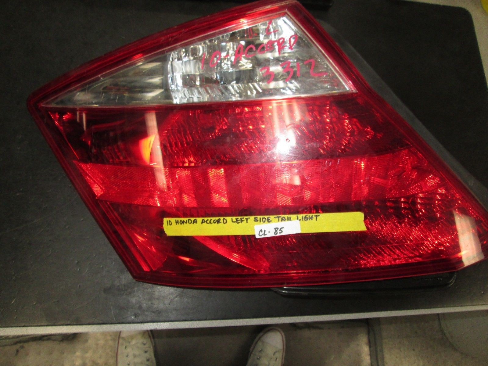 Primary image for 10 HONDA ACCORD LEFT SIDE TAIL LIGHT