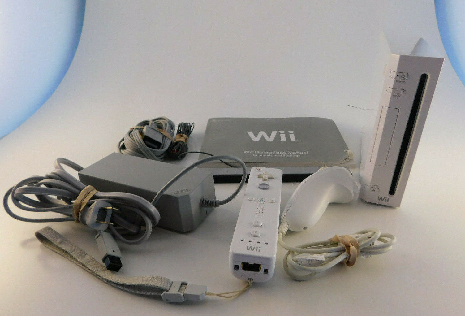 Nintendo Wii Console White System RVL-001 Complete Bundle - Gamecube Compatible