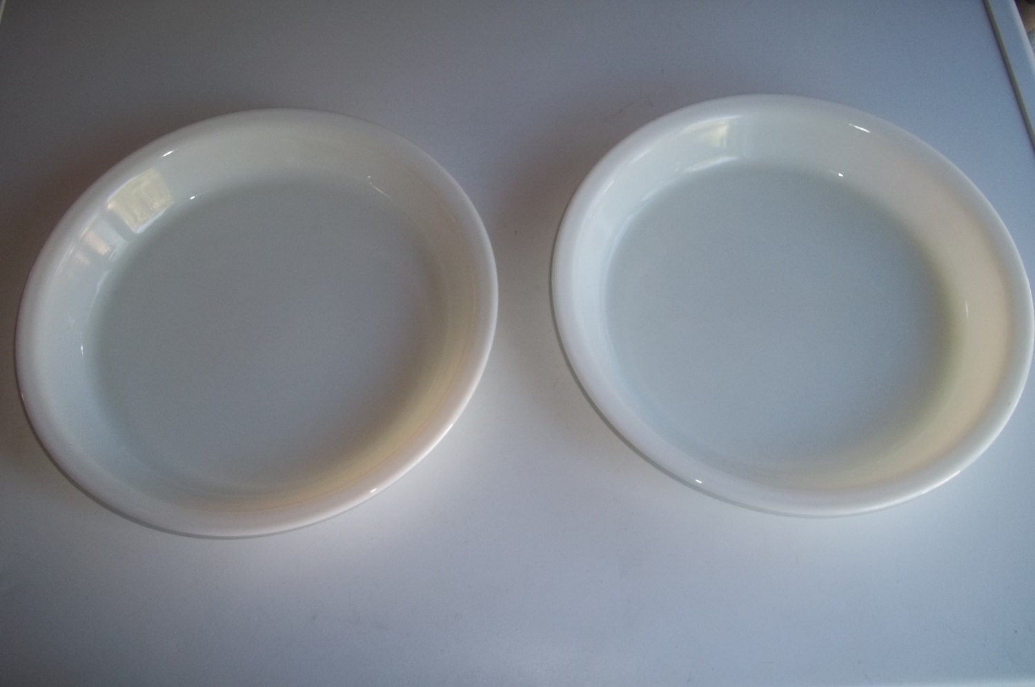"Pair of 9"" Just White Pie Plate Corning Ware - $22.99"