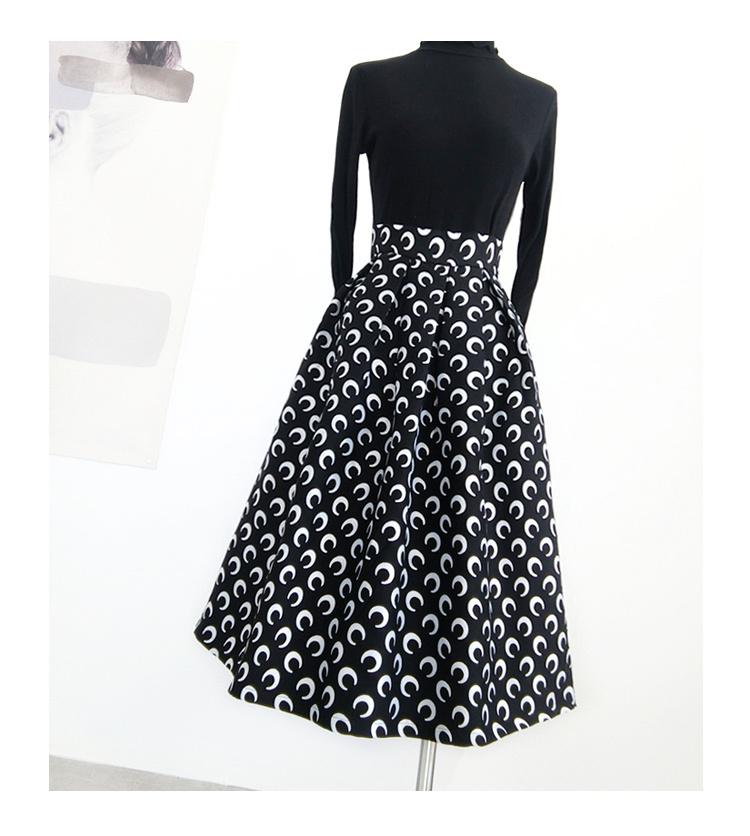 Pleatedlongskirt black 1