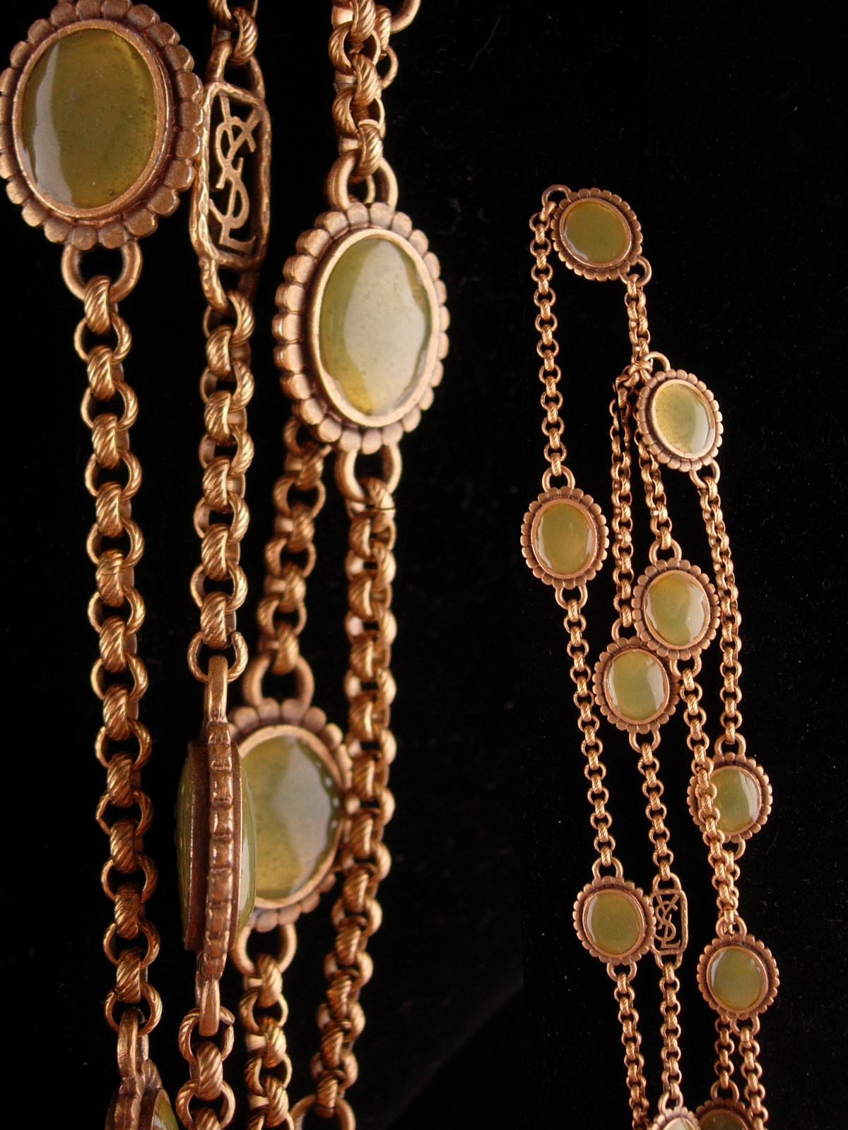 Vintage Yves Saint Laurent necklace - Gripoix glass - French jewelry - olive gre