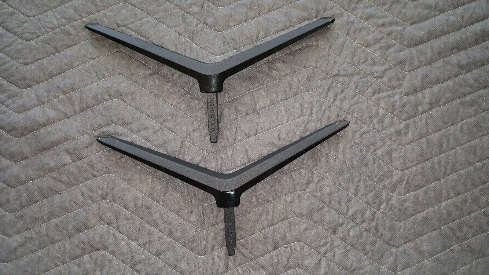 Primary image for D48-D0 Vizio 181212001450 Tv Stand Legs Left Right