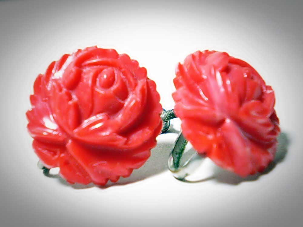 Primary image for Vintage Bakelite / Catalin tested Red Rose Button Screw-Back Earrings 1930s