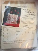 Vintage Better Homes And Gardens TIS THE SEASON Cross Stitch Pillow Kit ... - $12.02