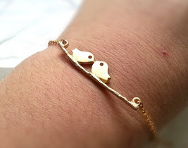 Gold Kissing Birds Bracelet Love Birds Bracelet Bridal Bracelet Bridesma... - $28.00