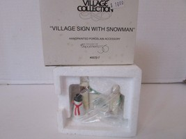 Dept 56 55727 Village Sign With Snowman Accessory Figure D3 - $10.73