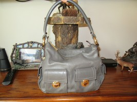 10F/MARC Jacobs Small Gray Leather HANDBAG/PURSE/PUSHLOCKS/ZIPPER/GOLD Hardware! - $79.15