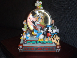 Extremely Rare! Walt Disney Minnie Mouse & Friends Movie Debut Snowglobe Statue - $178.50