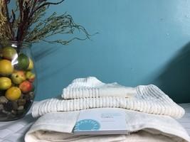 Set Of Bathroom Towels 3 Piece Quick Dry Reversible Ivory MARTHA STEWART... - $21.33
