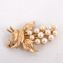 Crown Trifari Brooch Gold Tone Leaves Faux Pearl Signed Pin  - $30.47