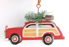 Tin Woody Wagon Car With Wreath and Christmas Tree Ornament NEW image 2