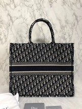 NEW AUTH CHRISTIAN DIOR 2019 CD Logo OBLIQUE BOOK TOTE BAG LIMITED RUNWAY  image 4