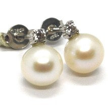 Pendientes de Oro Blanco 750 18K con Perlas Blancas 7MM Y Zirconia Cúbicos - $223.35