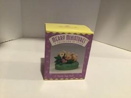 Hallmark Merry Miniatures - Easter Egg Hunt - 1996 - QSM8024 - Mint - $2.95