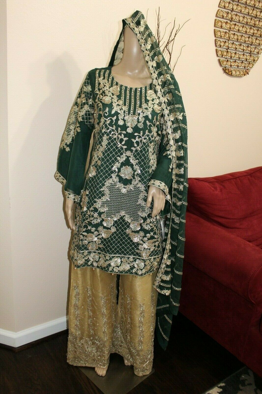 Primary image for Pakistani Dark Green Straight Shirt Chiffon Suit , Fancy Threadwork and Sequins