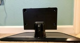 Lg 47LN5400 Flat Screen Tv Stand - $14.80