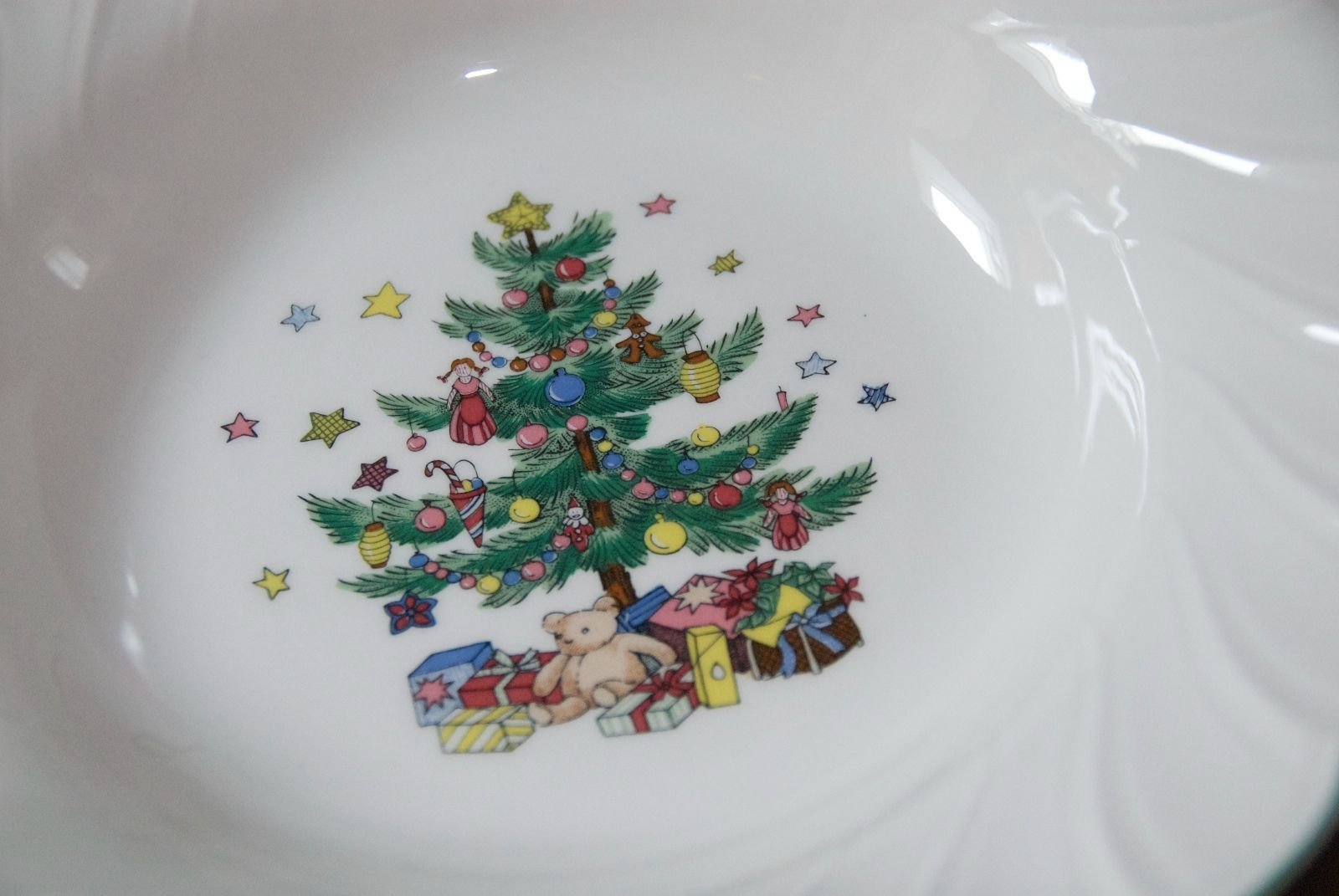 NIKKO PORCELAIN VEGETABLE SOUP BOWL HAPPY HOLIDAYS NO UTENSIL MARKS JAPAN 9.25""
