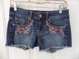 American Eagle Outfitters Jean Shorts W/Floral  Size 2 Women's EUC - $17.43
