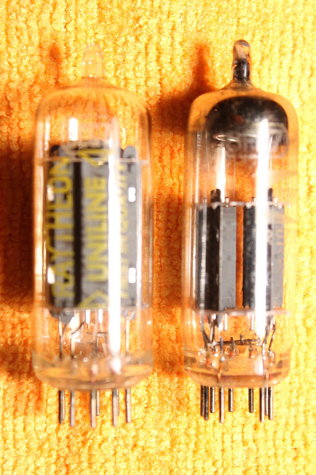 Vintage Radio Vacuum Tube (one): 8CG7 - Tested Good