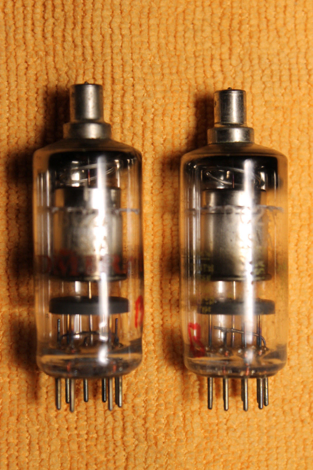Vintage Radio Vacuum Tube (one): 1BC2A - Tested Good