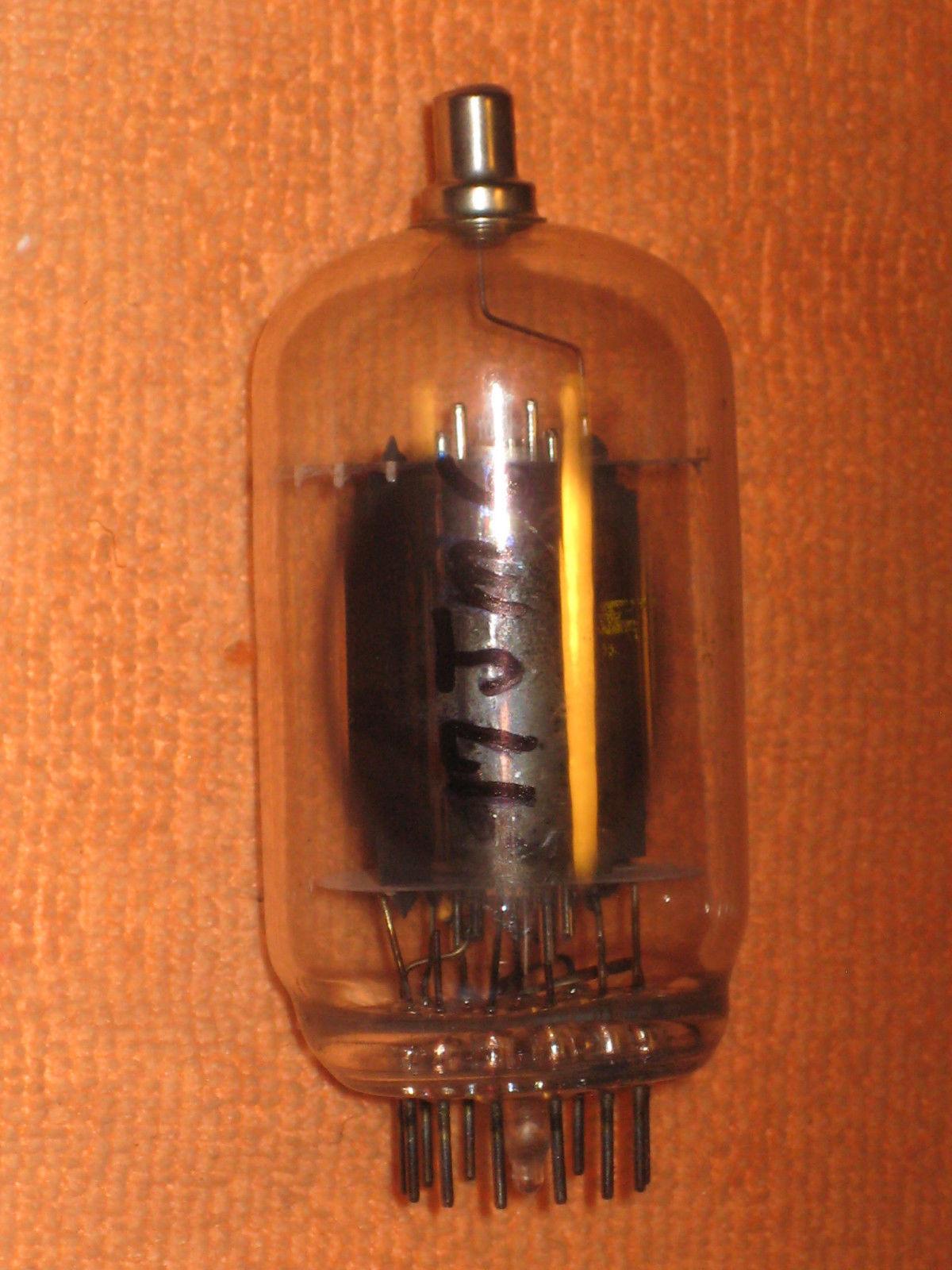Vintage Radio Vacuum Tube (one): 17JM6 - Tested Good