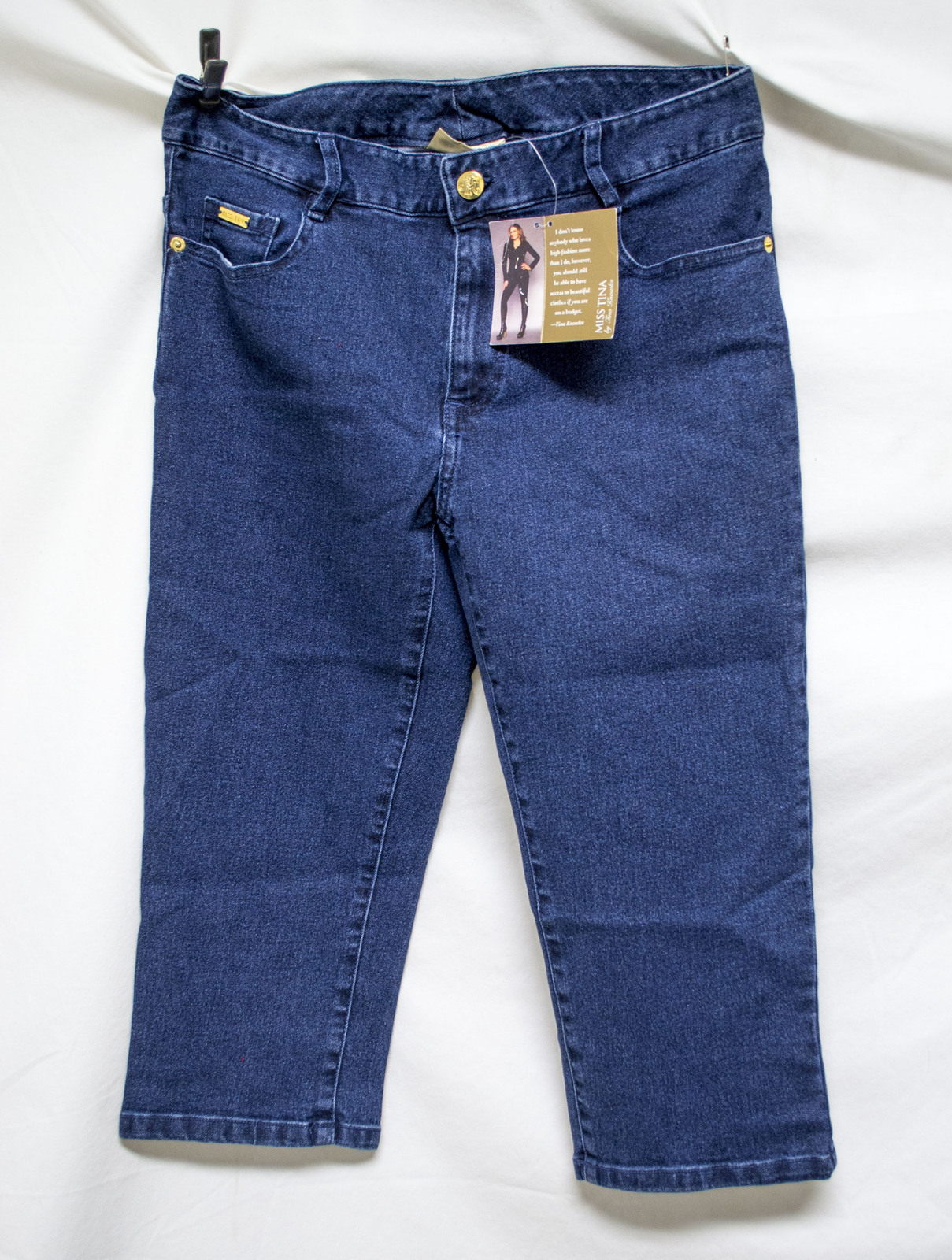 Free Ship Lot of 2 New Women's Jeans Levi Strauss and Miss Tina Capris