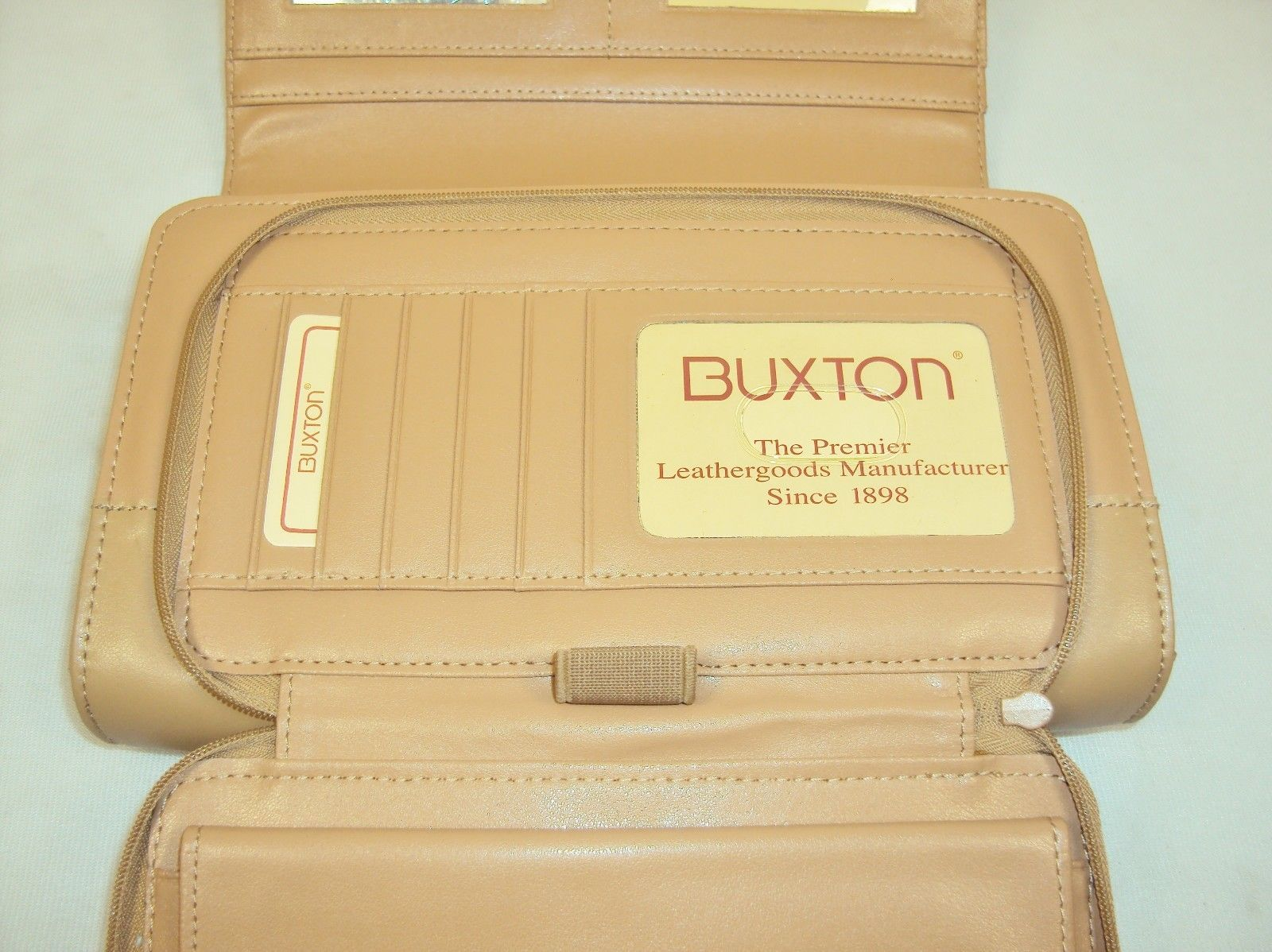 Buxton Beige Leather Clutch Purse w/Matching Checkbook, Key Ring, Lipstick Caddy