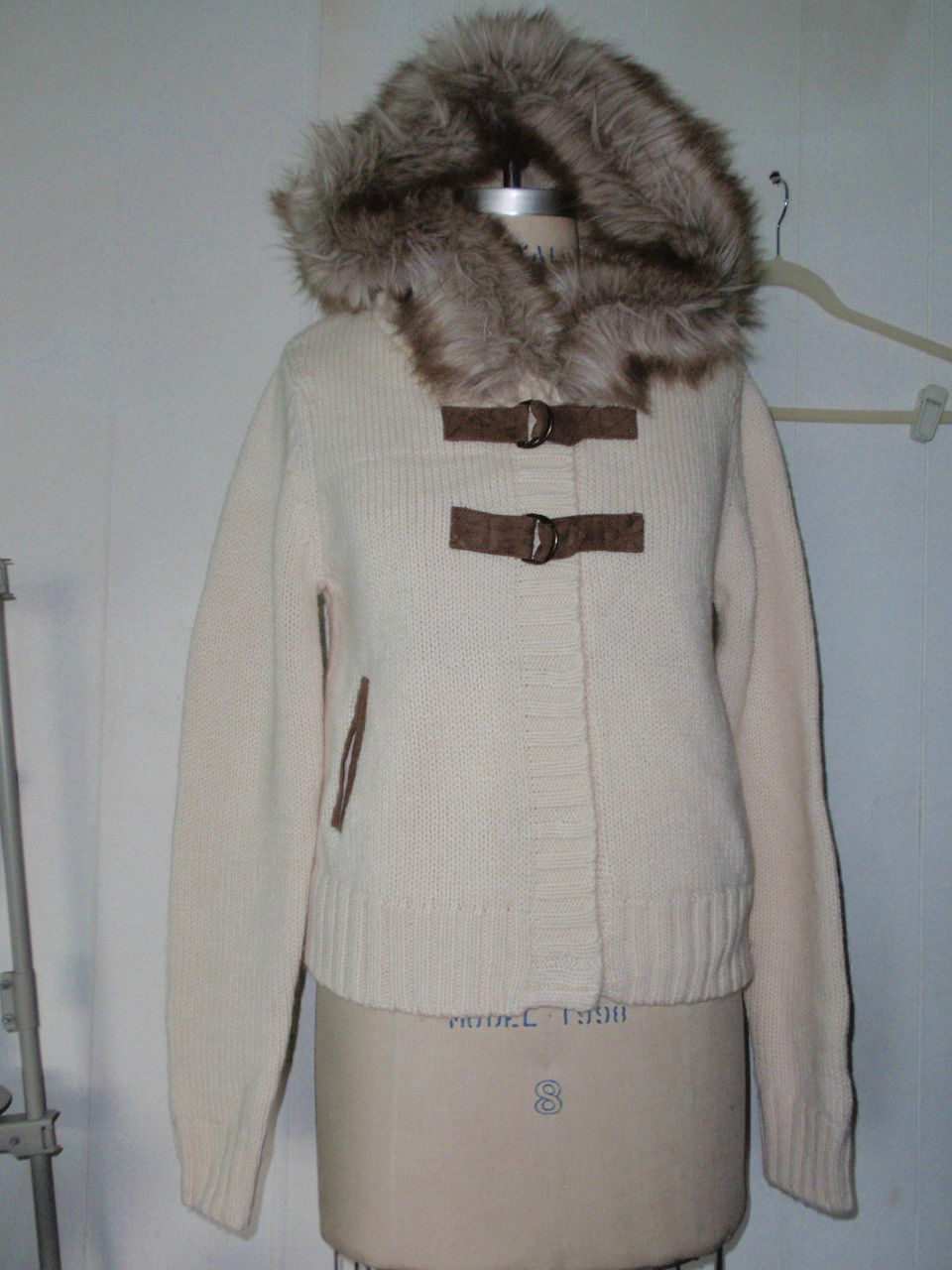 NEW H&M IVORY HOODIE SWEATER COAT ACRYLIC WOOL FAUX FUR & FAUX SUEDE TRIM L