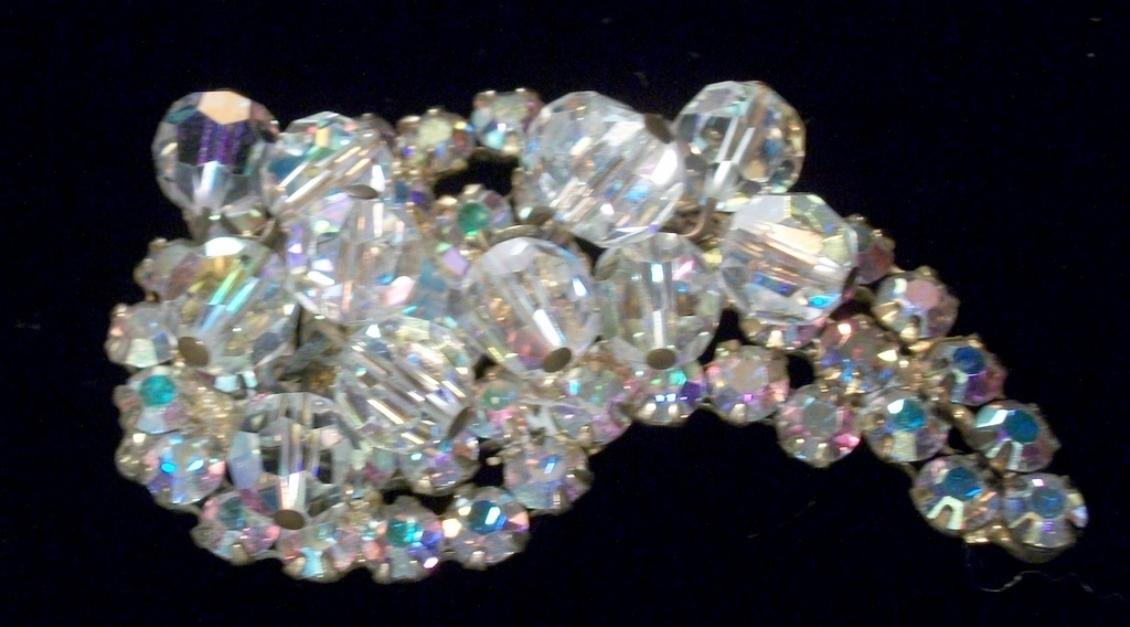 Verified Juliana D&E paisley brooch with clear lead crystal rhinestones 3205