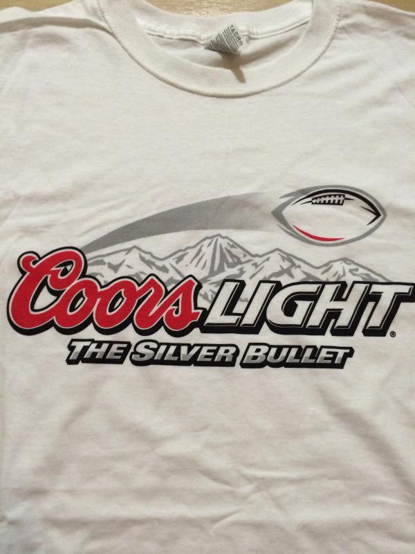 "Coors Light "" The Silver Bullet "" Cool T-Shirt Sz XL  Great Piece!  Beer"