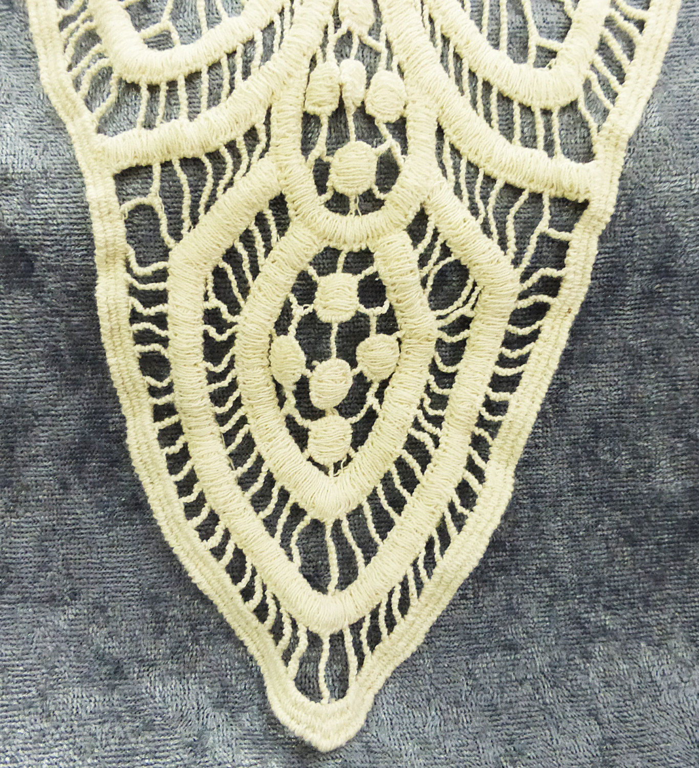 Embroidered natural color cotton back or front patch applique for dress or shirt